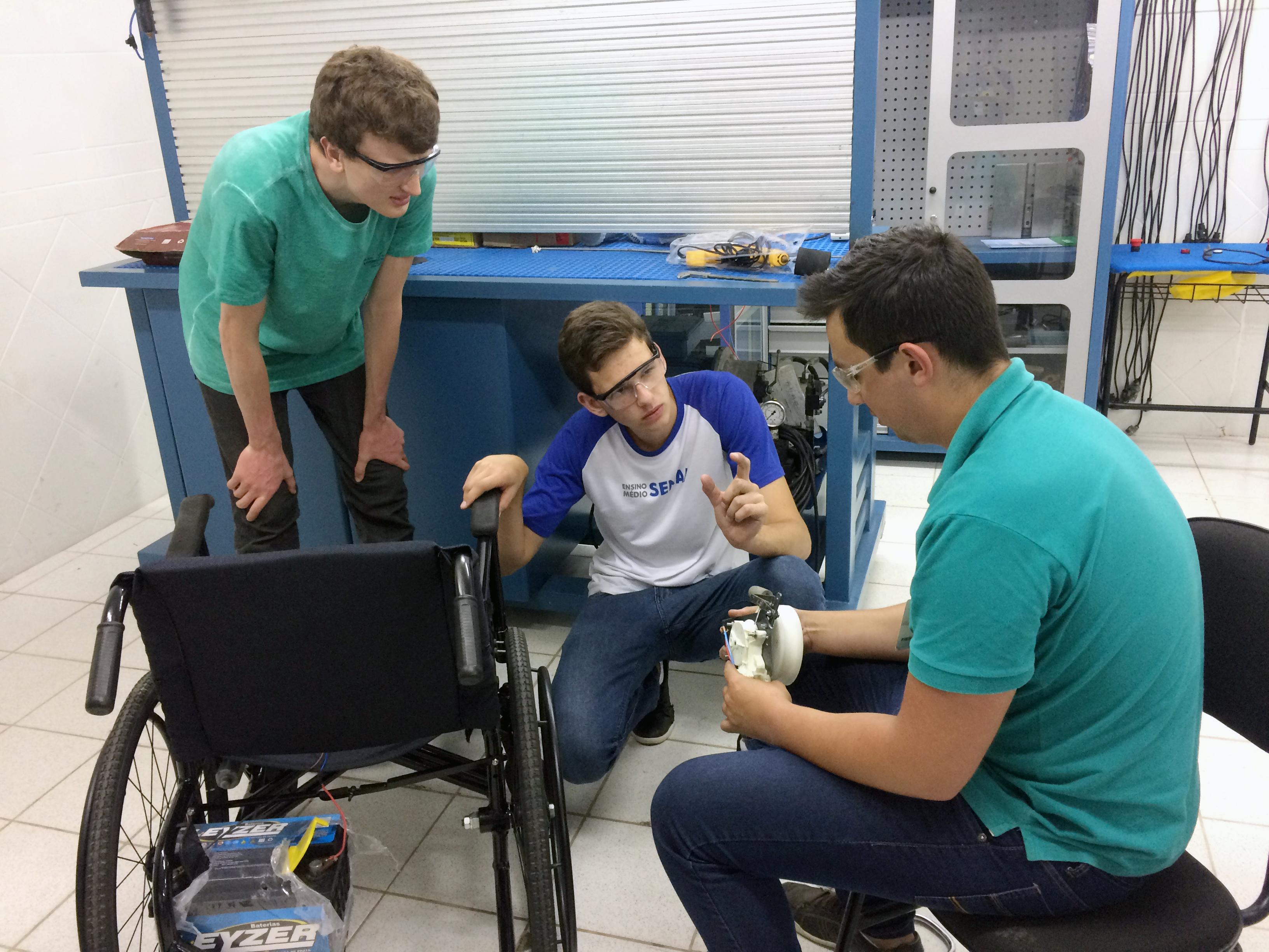 Alunos do SENAI em SC mostram inovações em cadeiras de rodas e aplicativos ...