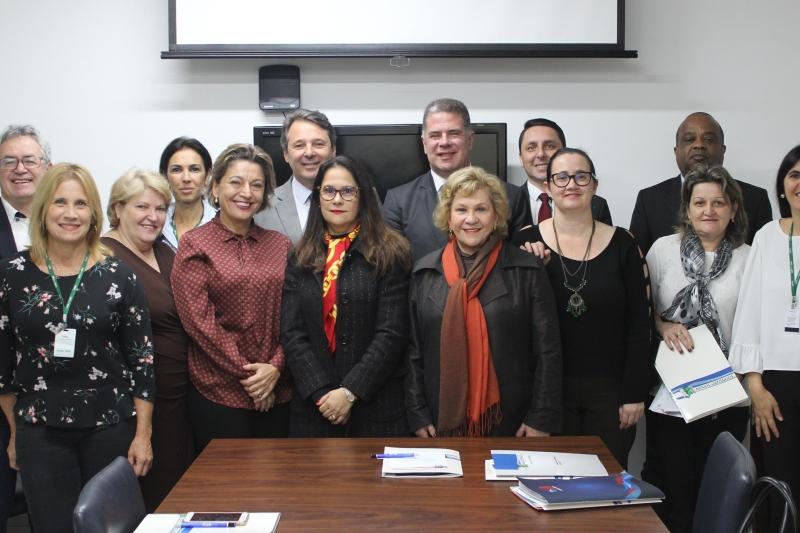 FIESC apresenta Programa Novos Caminhos às comissões da OAB-SC