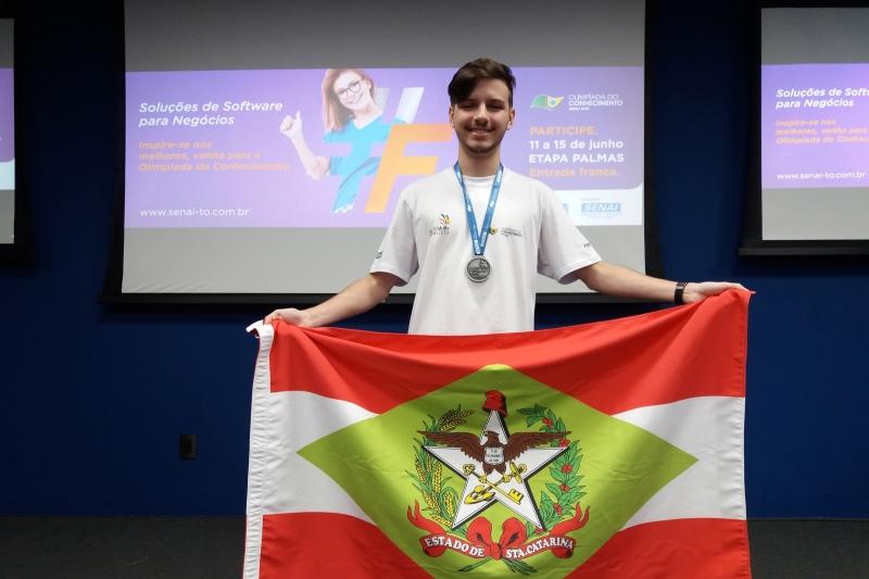 Estudante do SENAI/SC é prata em soluções de software