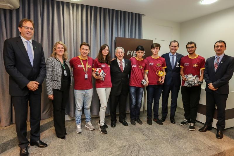 Estudantes do SESI são reconhecidos por conquista em torneio de robótica