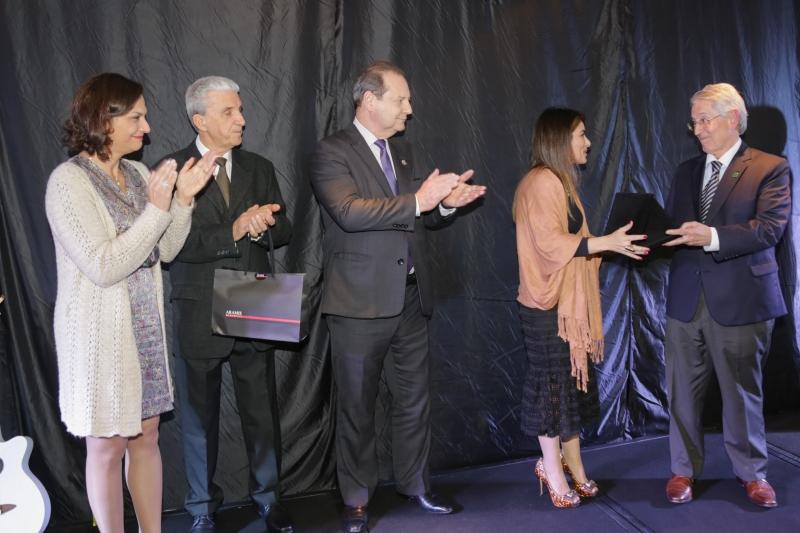AMC presta homenagem a Côrte pelas ações no Programa Novos Caminhos