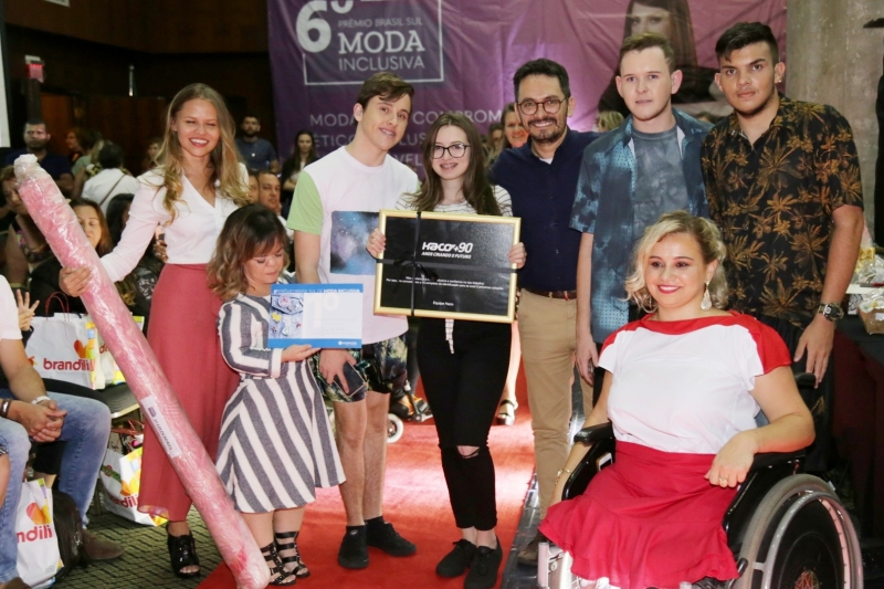 Estudantes do SENAI conquistam prêmios em competição de moda inclusiva