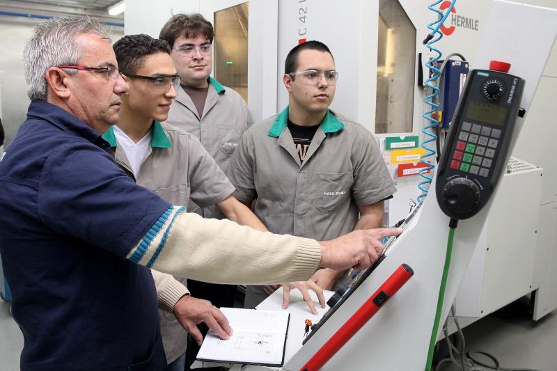 SENAI tem 7,2 mil vagas abertas em cursos técnicos e de graduação