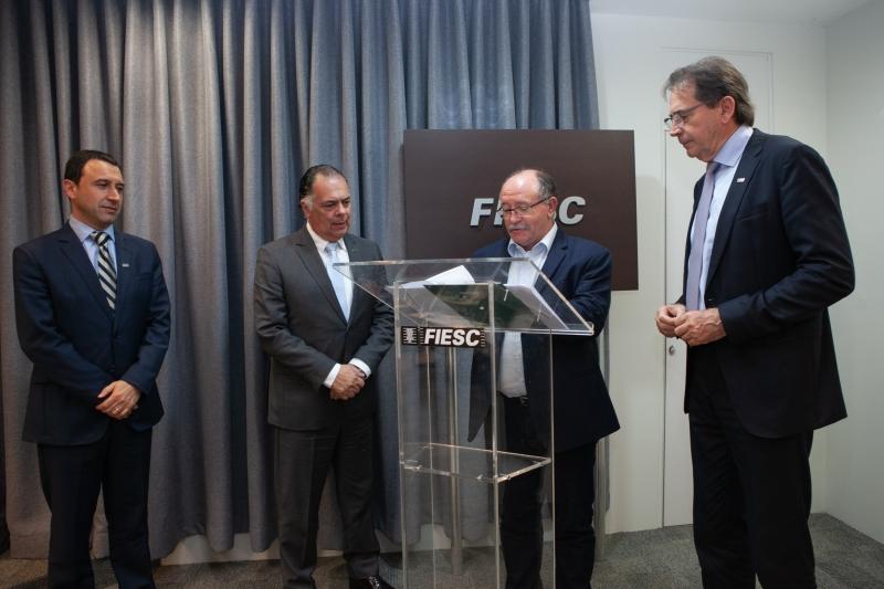 SESI e SENAI firmam parceria com a prefeitura de Joaçaba para oferta de educ...