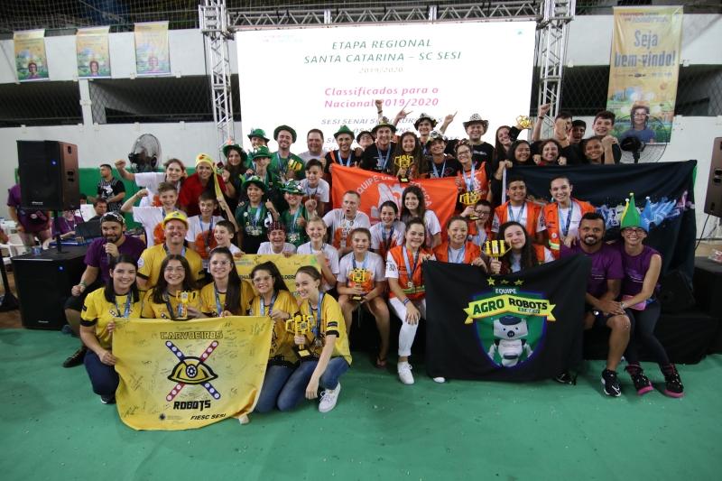 SC classifica seis equipes para o torneio nacional de robótica da FLL