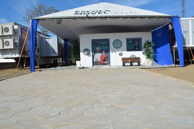 Escola Móvel do SENAI é inaugurada em Morro da Fumaça